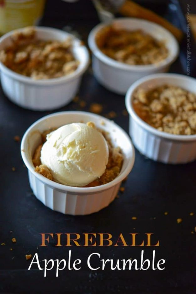 Fireball Whiskey Recipes - Fireball Apple Crumble - Fire ball Whisky Recipe Ideas - Pie, Desserts, Drinks, Homemade Food and Cocktails - Easy Treats and Christmas Dishes #fireball #recipes #food