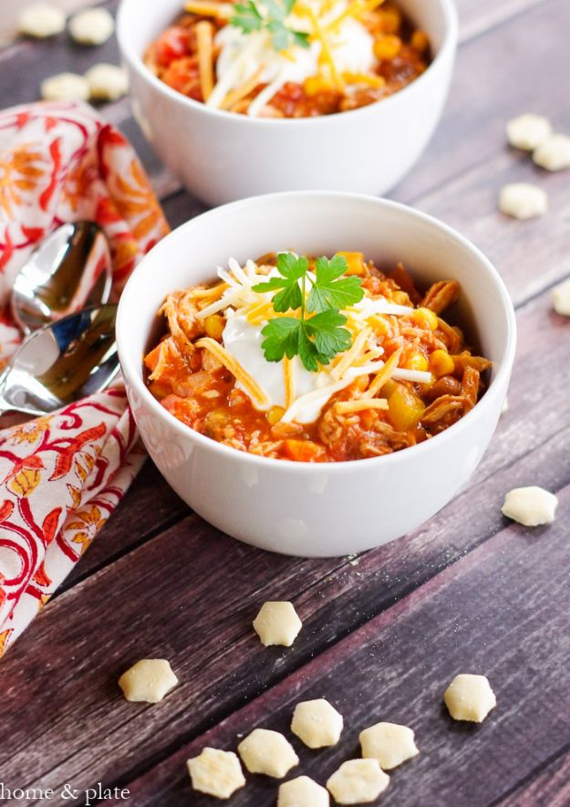 Chili Recipes - Frank's Game Day Buffalo Chicken Chili - Easy Crockpot, Instant Pot and Stovetop Chili Ideas - Healthy Weight Watchers, Pioneer Woman - No Beans, Beef, Turkey, Chicken https://diyjoy.com/chili-recipes