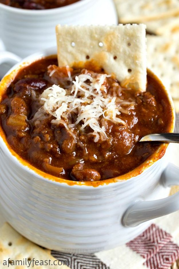 Chili Recipes - Glenn's Sweet & Spicy Slow Cooker Chili - Easy Crockpot, Instant Pot and Stovetop Chili Ideas - Healthy Weight Watchers, Pioneer Woman - No Beans, Beef, Turkey, Chicken  #chili #recipes