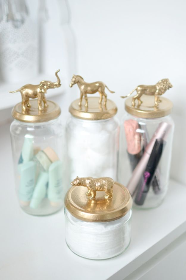 Cheap Bathroom Decor Ideas - Gold Animal Jar DIY - DIY Decor and Home Decorating Ideas for Bathrooms - Easy Wall Art, Rugs and Bath Mats, Shower Curtains, Tissue and Toilet Paper Holders #diy #bathroom #homedecor