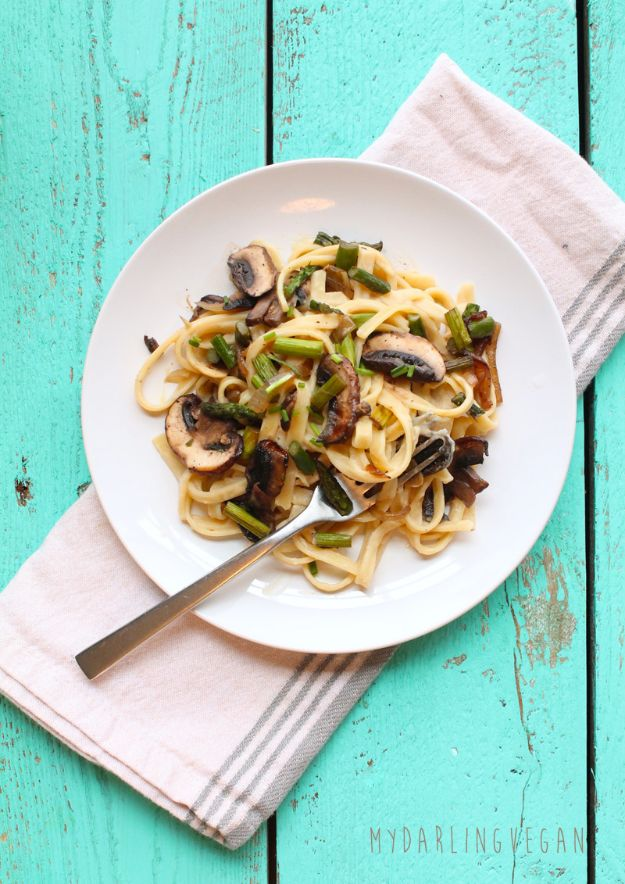 Vegan Recipes - Healthy Vegan Fettuccine Alfredo - Easy, Healthy Plant Based Foods - Gluten Free Breakfast, Lunch and Dessert - Keto Diet for Beginners  #vegan #veganrecipes