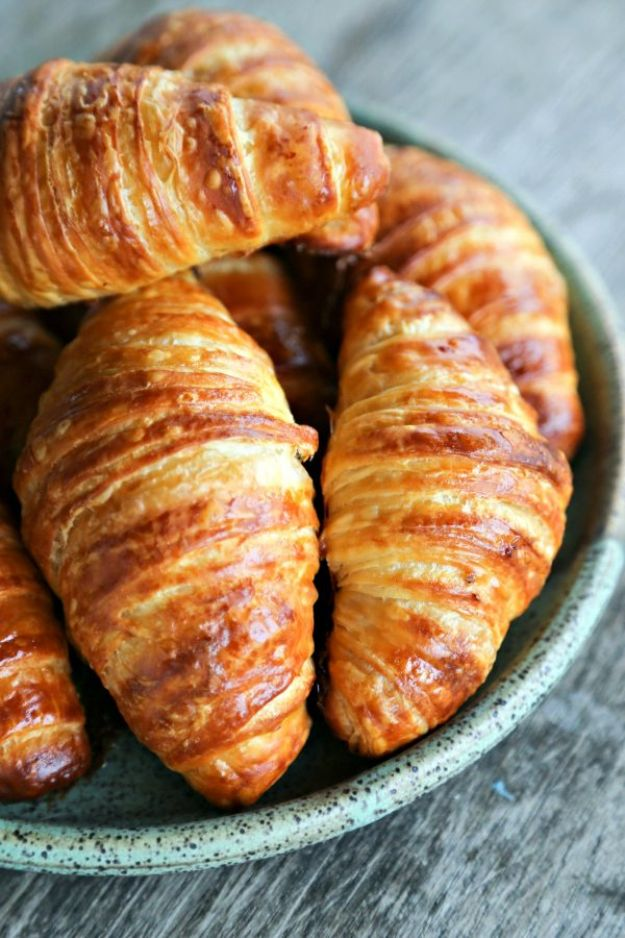 Breakfast Breads - Homemade Croissants - Homemade Breakfast Bread Recipes - Healthy Fruit, Nut, Banana and Vegetable Recipe Ideas - Best Brunch Dishes #breakfastrecipes #brunch https://diyjoy.com/breakfast-bread-recipes