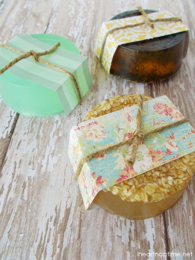 DIY Christmas Gifts - Homemade Hand Soaps - Easy Handmade Gift Ideas for Xmas Presents - Cheap Projects to Make for Holiday Gift Giving - Mom, Dad, Boyfriend, Girlfriend, Husband, Wife #diygifts #christmasgifts