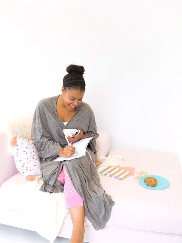 DIY Nightgowns and Sleepwear - Make a Cotton Jersey Robe from a Bedsheet - Easy Sewing Projects for Cute Nightshirts, Tshirts, Gowns and Pajamas - Free Patterns and Step by Step Tutorials #womensclothing #sleepwear #diyclothes #sewing