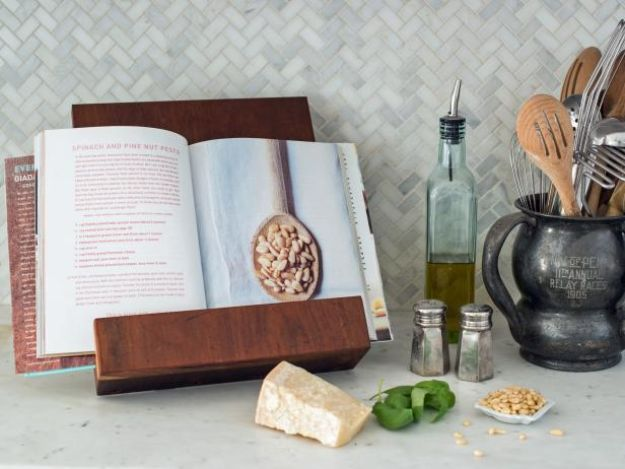 DIY Christmas Gifts - Modern Tablet or Cookbook Stand - Easy Handmade Gift Ideas for Xmas Presents - Cheap Projects to Make for Holiday Gift Giving - Mom, Dad, Boyfriend, Girlfriend, Husband, Wife #diygifts #christmasgifts https://diyjoy.com/diy-christmas-gifts