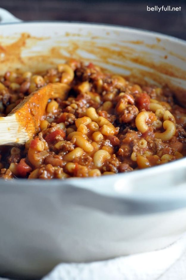 Chili Recipes - One Pot Chili Mac and Cheese - Easy Crockpot, Instant Pot and Stovetop Chili Ideas - Healthy Weight Watchers, Pioneer Woman - No Beans, Beef, Turkey, Chicken https://diyjoy.com/chili-recipes