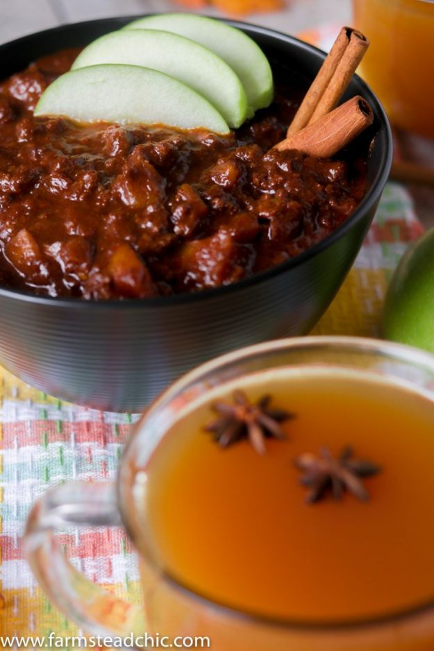 Chili Recipes - Paleo and Whole30 Apple Cider Chili - Easy Crockpot, Instant Pot and Stovetop Chili Ideas - Healthy Weight Watchers, Pioneer Woman - No Beans, Beef, Turkey, Chicken https://diyjoy.com/chili-recipes
