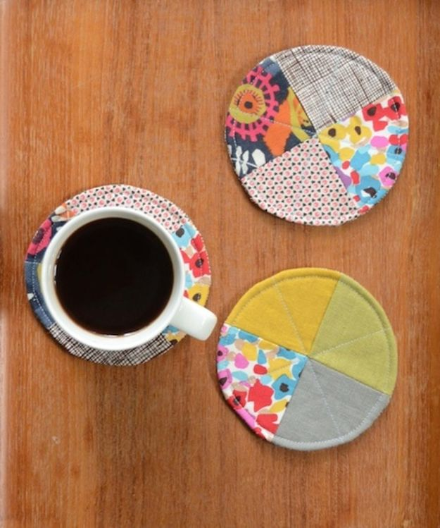 Easy Sewing Projects To Sew For Gifts - Quilted Circle Coasters - Simple Sewing Tutorials and Free Patterns for Making Christmas and Birthday Presents - Cheap Ideas to Make and Sell on Etsy http://diyjoy.com/quick-diy-gifts-sewing-projects - Simple Sewing Tutorials and Free Patterns for Making Christmas and Birthday Presents - Cheap Ideas to Make and Sell on Etsy http://diyjoy.com/quick-diy-gifts-sewing-projects