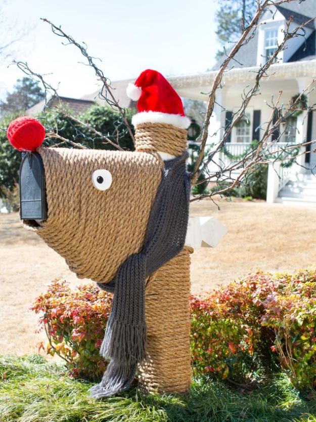 DIY Christmas Decorations - Reindeer Mailbox - Easy Handmade Christmas Decor Ideas - Cheap Xmas Projects to Make for Holiday Decorating - Home, Porch, Mantle, Tree, Lights #diy #christmas #diydecor #holiday