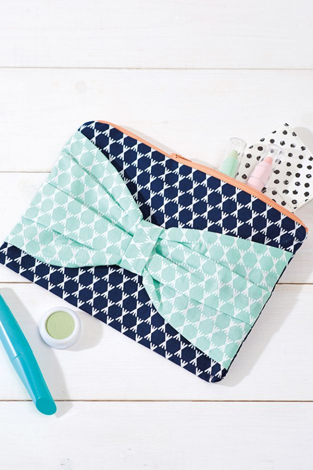 Easy Sewing Projects To Sew For Gifts - Sew A Bow Clutch - Simple Sewing Tutorials and Free Patterns for Making Christmas and Birthday Presents - Cheap Ideas to Make and Sell on Etsy http://diyjoy.com/quick-diy-gifts-sewing-projects