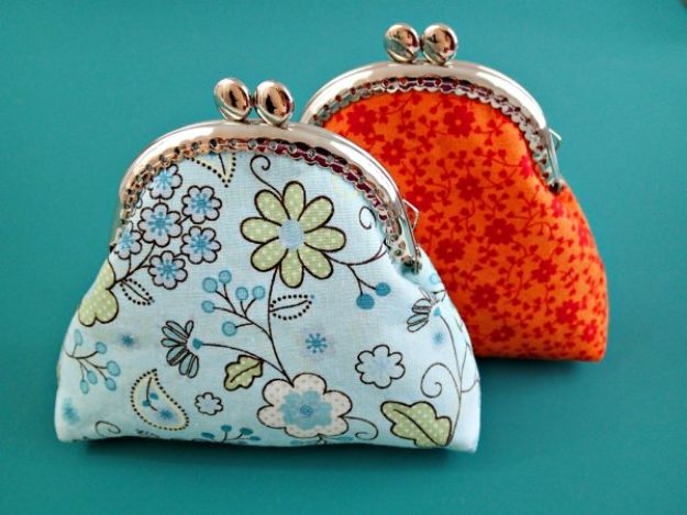Easy Sewing Projects To Sew For Gifts - Sew A Coin Purse - Simple Sewing Tutorials and Free Patterns for Making Christmas and Birthday Presents - Cheap Ideas to Make and Sell on Etsy