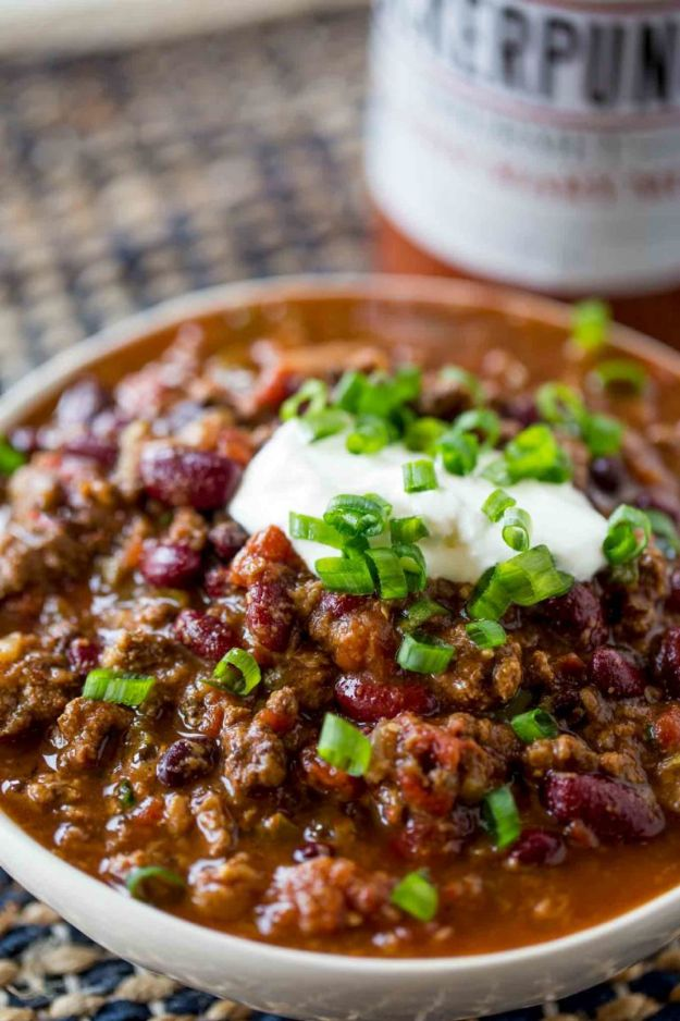 Chili Recipes - Slow Cooker Beef Chili - Easy Crockpot, Instant Pot and Stovetop Chili Ideas - Healthy Weight Watchers, Pioneer Woman - No Beans, Beef, Turkey, Chicken https://diyjoy.com/chili-recipes