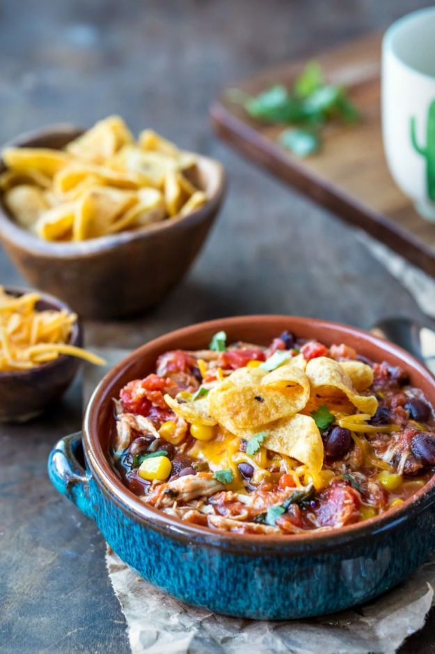 Chili Recipes - Slow Cooker Chicken Frito Chili - Easy Crockpot, Instant Pot and Stovetop Chili Ideas - Healthy Weight Watchers, Pioneer Woman - No Beans, Beef, Turkey, Chicken https://diyjoy.com/chili-recipes