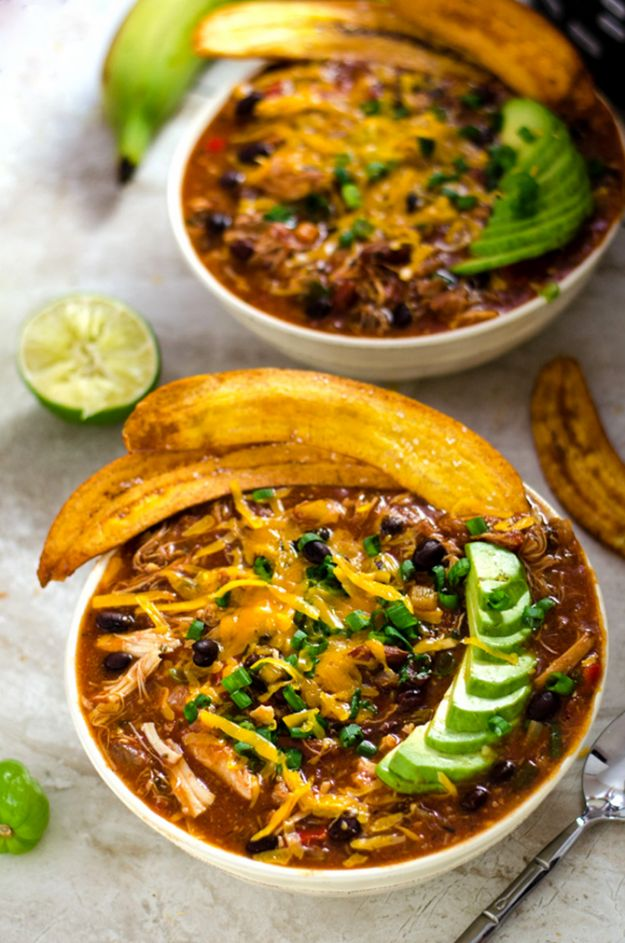 Chili Recipes - Slow Cooker Jamaican Jerk Chicken Chili With Plantain Chips - Easy Crockpot, Instant Pot and Stovetop Chili Ideas - Healthy Weight Watchers, Pioneer Woman - No Beans, Beef, Turkey, Chicken https://diyjoy.com/chili-recipes