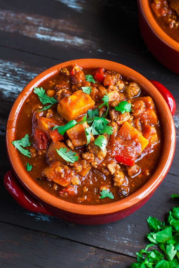 Chili Recipes - Smoky Chipotle Turkey and Sweet Potato Chili - Easy Crockpot, Instant Pot and Stovetop Chili Ideas - Healthy Weight Watchers, Pioneer Woman - No Beans, Beef, Turkey, Chicken  #chili #recipes