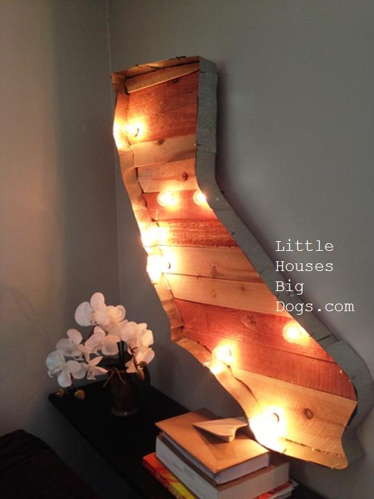 Cool State Crafts - State Wood Marquee - Easy Craft Projects To Show Your Love For Your Home State - Best DIY Ideas Using Maps, String Art Shaped Like States, Quotes, Sayings and Wall Art Ideas, Painted Canvases, Cute Pillows, Fun Gifts and DIY Decor Made Simple - Creative Decorating Ideas for Living Room, Kitchen, Bedroom, Bath and Porch http://diyjoy.com/cool-state-crafts