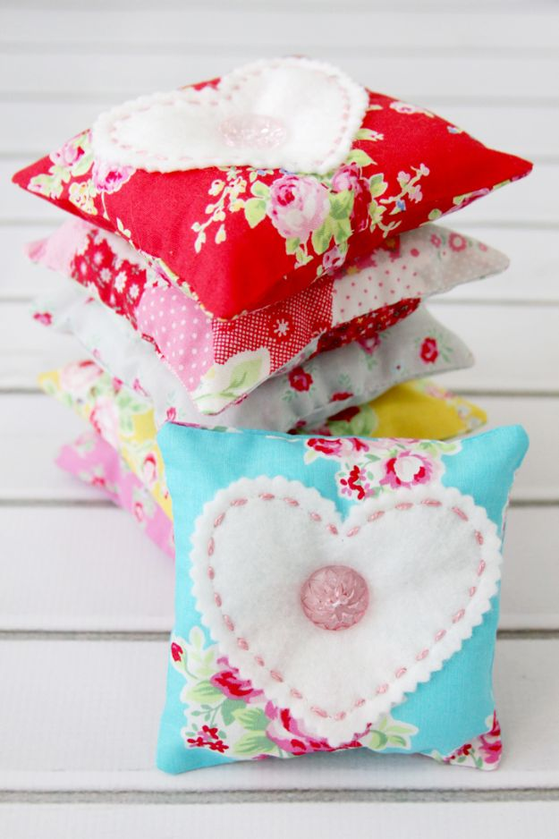 Easy Sewing Projects To Sew For Gifts - Sweetheart Lavender Sachets - Simple Sewing Tutorials and Free Patterns for Making Christmas and Birthday Presents - Cheap Ideas to Make and Sell on Etsy http://diyjoy.com/quick-diy-gifts-sewing-projects - Simple Sewing Tutorials and Free Patterns for Making Christmas and Birthday Presents - Cheap Ideas to Make and Sell on Etsy http://diyjoy.com/quick-diy-gifts-sewing-projects
