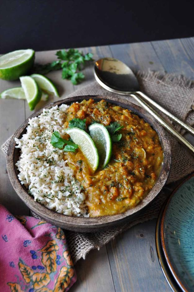 Vegan Recipes - Swift Sweet Potato Coconut Curry - Best Vegan Recipe Ideas - Easy, Healthy Plant Based Foods - Gluten Free Breakfast, Lunch and Dessert - Keto Diet for Beginners https://diyjoy.com/vegan-recipes