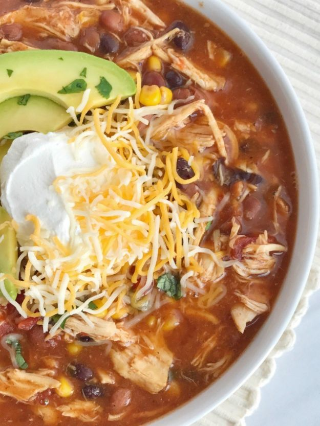Chili Recipes - Taco Ranch Chicken Chili - Easy Crockpot, Instant Pot and Stovetop Chili Ideas - Healthy Weight Watchers, Pioneer Woman - No Beans, Beef, Turkey, Chicken  #chili #recipes