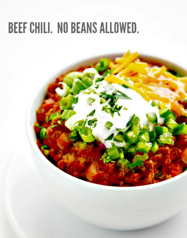 Chili Recipes - Thick and Beefy Beanless Chili - Easy Crockpot, Instant Pot and Stovetop Chili Ideas - Healthy Weight Watchers, Pioneer Woman - No Beans, Beef, Turkey, Chicken  #chili #recipes