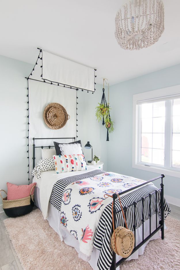 DIY Bedroom Decor Ideas - Beachy Boho Bedroom - Easy Room Decor Projects for The Home - Cheap Farmhouse Crafts, Wall Art Idea, Bed and Bedding, Furniture