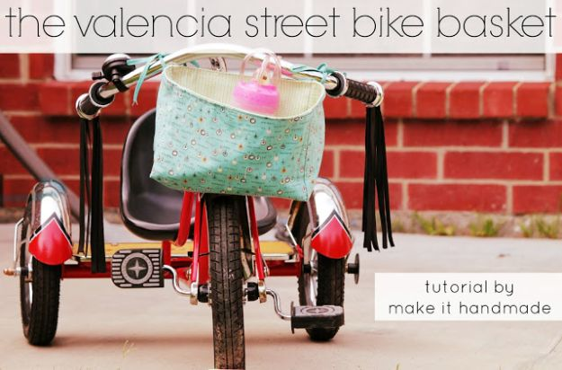 Sewing Projects for Fat Quarters - Bike Basket - Easy Ideas to Sew With a Fat Quarter - Quick DIY Gifts, Quilt, Placemats, DIY Baby Gift, Project for The Home, Kids, Christmas