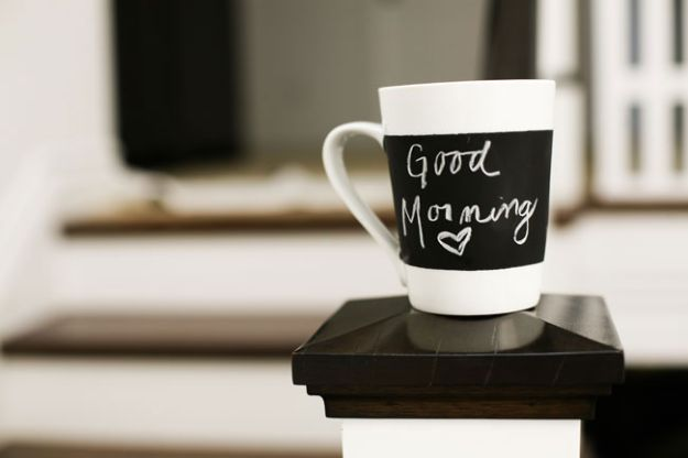 DIY Gifts for Him - Chalkboard Mug - Homemade Gift Ideas for Guys - DYI Christmas Gift for Dad, Boyfriend, Husband Brother - Easy and Cheap Handmade Presents Birthday https://diyjoy.com/diy-gifts-for-him
