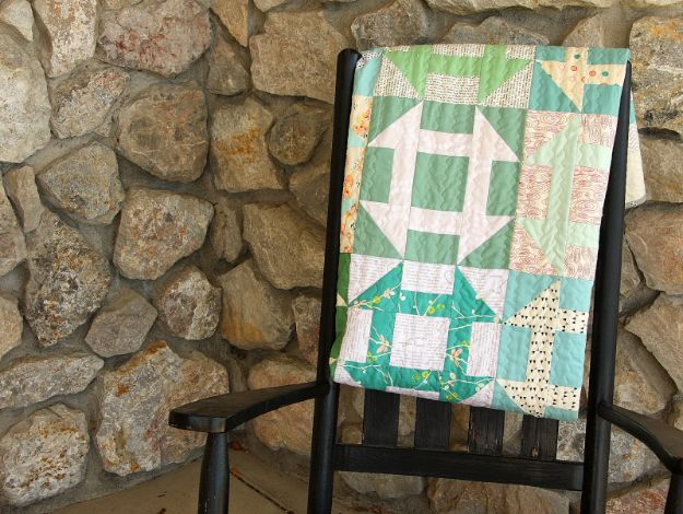 Easy Quilt Ideas for Beginners - Churn Dash Quilt - Free Quilt Patterns and Simple Projects With Fat Quarters - How to Make Baby Blankets, Table Runners, Jelly Rolls