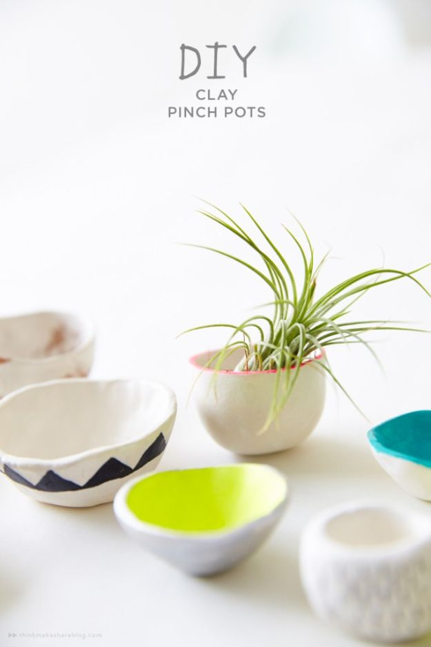 Fun DIY Ideas for Adults - DIY Clay Pinch Pots - Easy Crafts and Gift Ideas , Cool Projects That Are Fun to Make - Crafts Idea for Men and Women