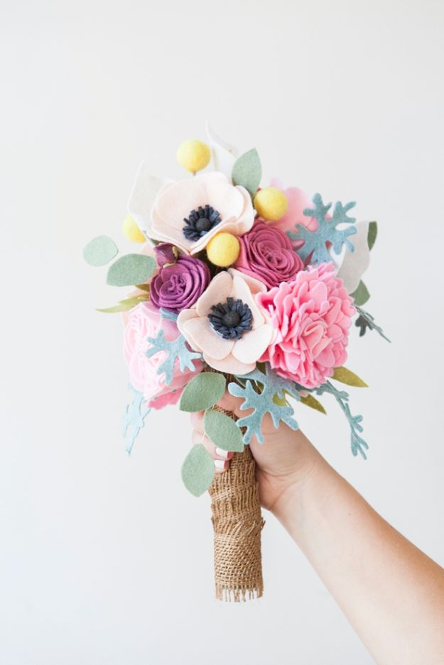 Fun DIY Ideas for Adults - DIY Felt Bouquet - Easy Crafts and Gift Ideas , Cool Projects That Are Fun to Make - Crafts Idea for Men and Women