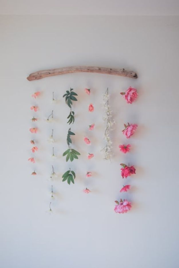 DIY Bedroom Decor Ideas - DIY Flower Wall Hanging - Easy Room Decor Projects for The Home - Cheap Farmhouse Crafts, Wall Art Idea, Bed and Bedding, Furniture
