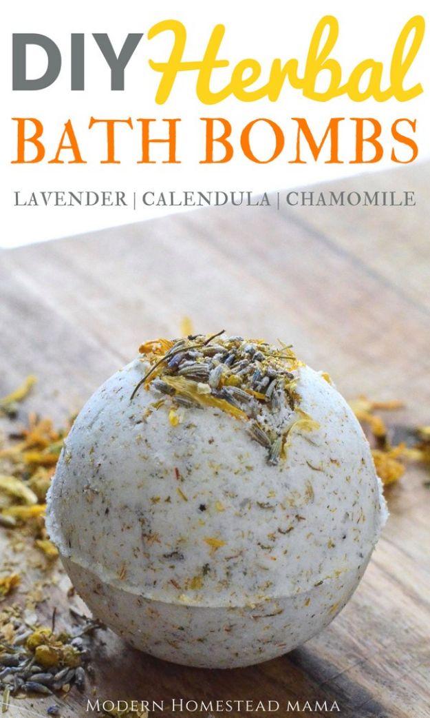 DIY Bath Bombs - DIY Herbal Bath Bombs - Easy DIY Bath Bomb Recipe Ideas - How to Make Bath Bombs at Home - Best Lush Copycats, Lavender, Glitter Homemade Bath Fizzies #bathbombs #diyideas