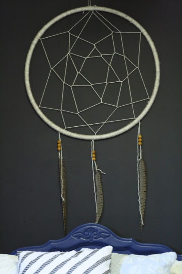 DIY Bedroom Decor Ideas - DIY Hula Hoop Dream Catcher - Easy Room Decor Projects for The Home - Cheap Farmhouse Crafts, Wall Art Idea, Bed and Bedding, Furniture