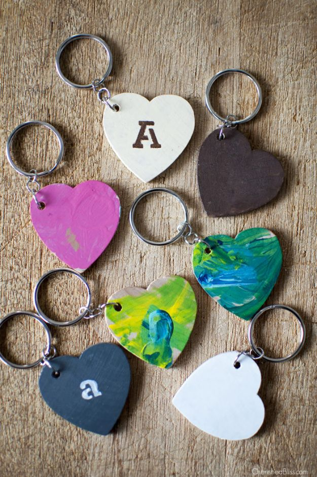 Fun DIY Ideas for Adults - DIY Keychains made from Wooden Hearts - Easy Crafts and Gift Ideas , Cool Projects That Are Fun to Make - Crafts Idea for Men and Women
