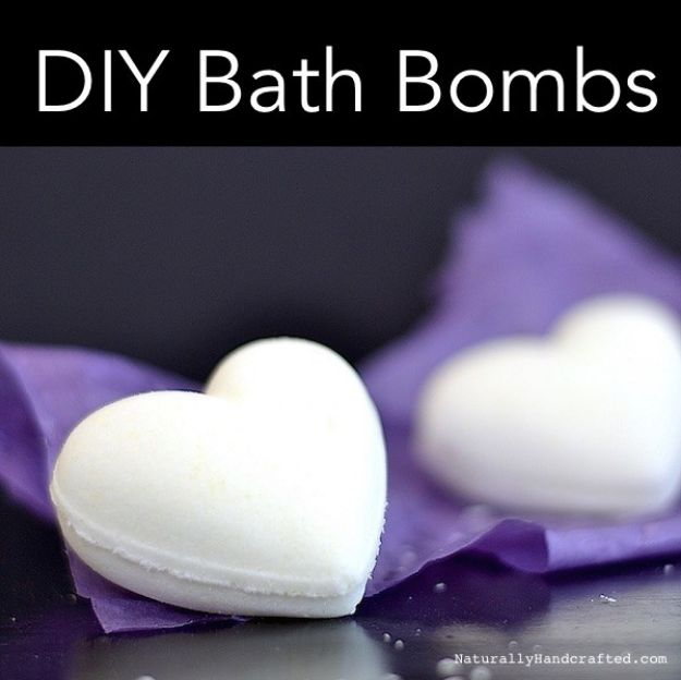 DIY Bath Bombs - DIY Natural Bath Bombs - Easy DIY Bath Bomb Recipe Ideas - How to Make Bath Bombs at Home - Best Lush Copycats, Lavender, Glitter Homemade Bath Fizzies #bathbombs #diyideas