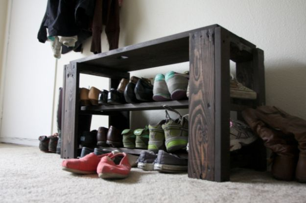 DIY Shoe Racks - DIY Pallet Shoe Rack Bench - Easy DYI Shoe Rack Tutorial - Cheap Closet Organization Ideas for Shoes - Wood Racks, Cubbies and Shelves to Make for Shoes