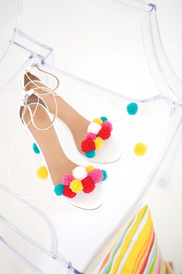 Fun DIY Ideas for Adults - DIY Pom Pom Sandals - Easy Crafts and Gift Ideas , Cool Projects That Are Fun to Make - Crafts Idea for Men and Women