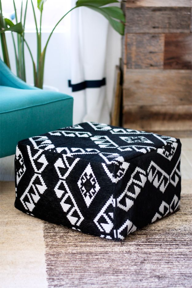 DIY Bedroom Decor Ideas - DIY Pouf - DIY Chairs, Poufs and Seating for Your Room - Inexpensive Do it yourself projects to make for the bedroom - Decorate Teen Rooms, Apartment, Dorm With These Beds and Bedding, Furniture
