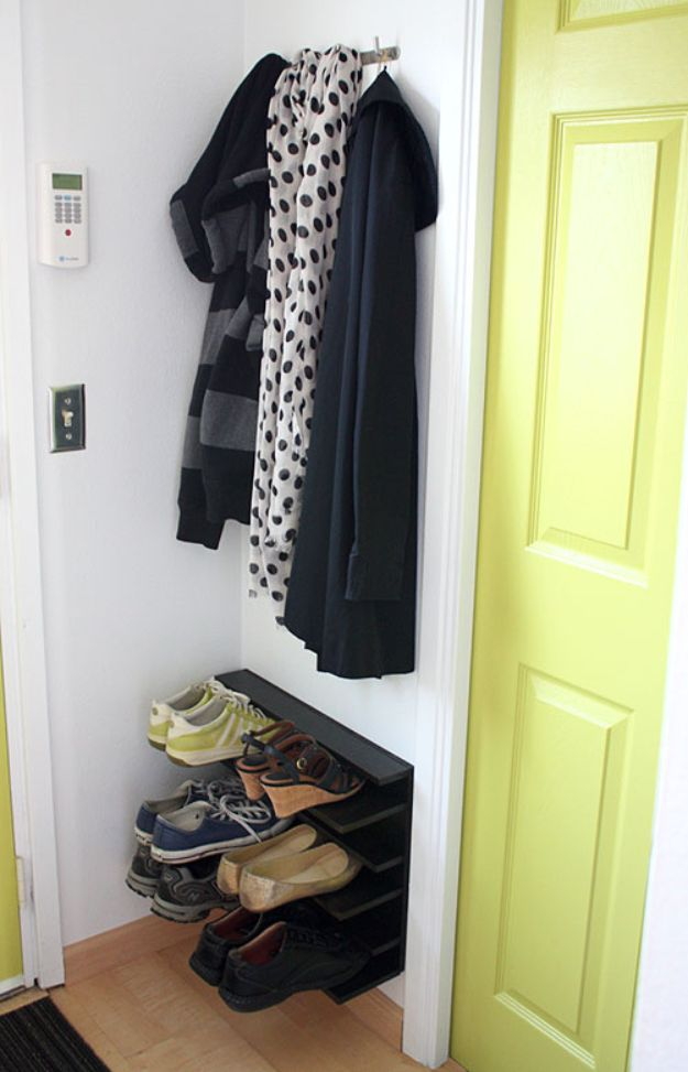 DIY Shoe Racks - DIY Shoe Rack for Tight Space - Easy DYI Shoe Rack Tutorial - Cheap Closet Organization Ideas for Shoes - Wood Racks, Cubbies and Shelves to Make for Shoes