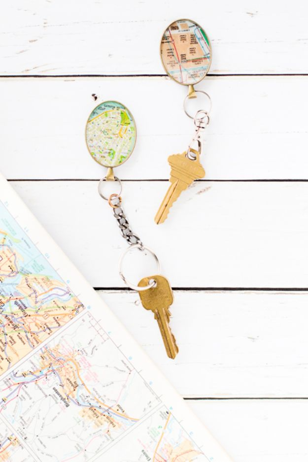 DIY Gifts for Him - DIY Vintage Map Keychain - Homemade Gift Ideas for Guys - DYI Christmas Gift for Dad, Boyfriend, Husband Brother - Easy and Cheap Handmade Presents Birthday https://diyjoy.com/diy-gifts-for-him