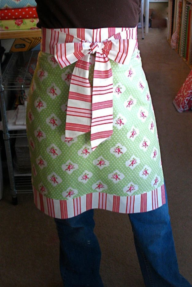 Sewing Projects for Fat Quarters - Easy Adult Apron - Easy Ideas to Sew With a Fat Quarter - Quick DIY Gifts, Quilt, Placemats, DIY Baby Gift, Project for The Home, Kids, Christmas