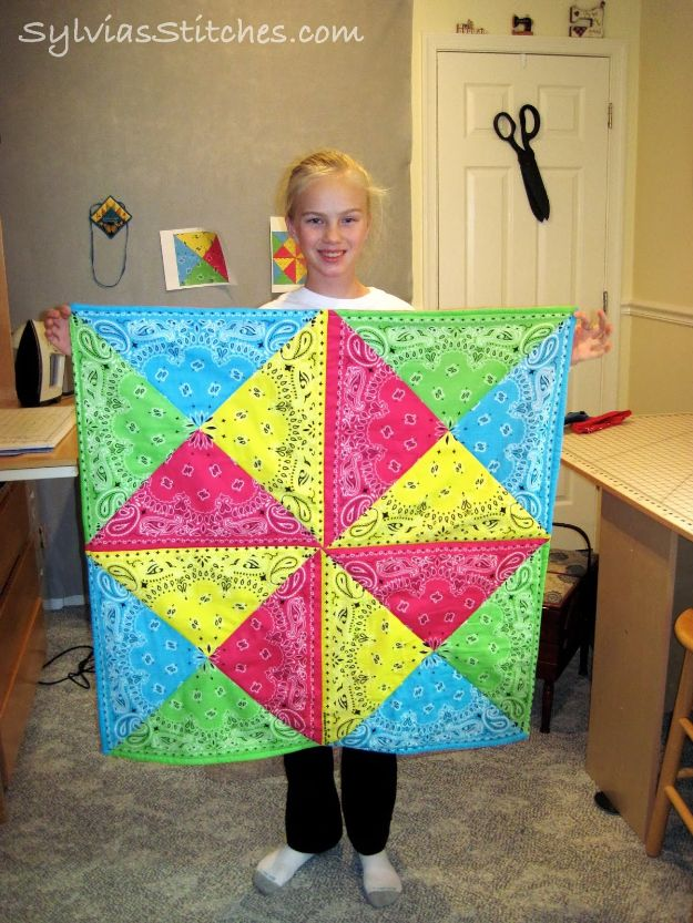 Easy Quilt Ideas for Beginners - Easy Bandana Quilt - Free Quilt Patterns and Simple Projects With Fat Quarters - How to Make Baby Blankets, Table Runners, Jelly Rolls