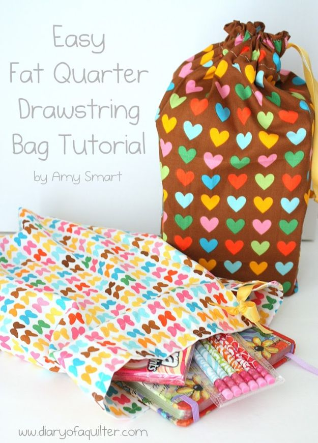 Sewing Projects for Fat Quarters - Easy Fat Quarter Drawstring Bag - Easy Ideas to Sew With a Fat Quarter - Quick DIY Gifts, Quilt, Placemats, DIY Baby Gift, Project for The Home, Kids, Christmas
