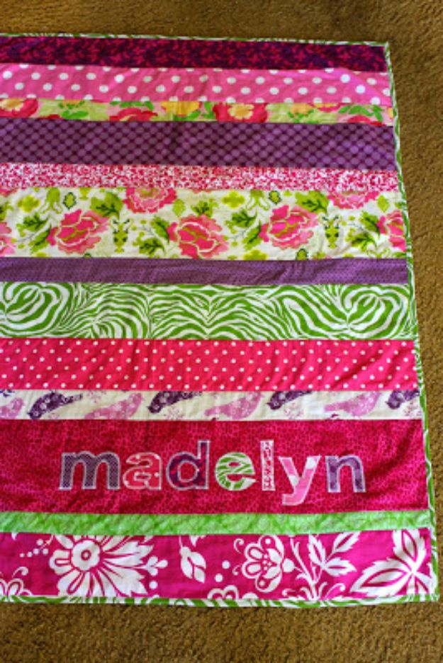 Easy Quilt Ideas for Beginners - Easy Strip Quilt - Free Quilt Patterns and Simple Projects With Fat Quarters - How to Make Baby Blankets, Table Runners, Jelly Rolls