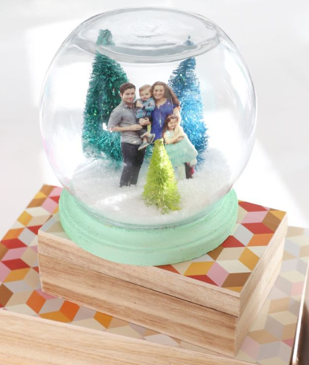 DIY Snow Globe Ideas - Family Portrait Snow Globe - Easy Ideas To Make Snow Globes With Kids - Mason Jar, Picture, Ornament, Waterless Christmas Crafts - Cheap DYI Holiday Gift Ideas