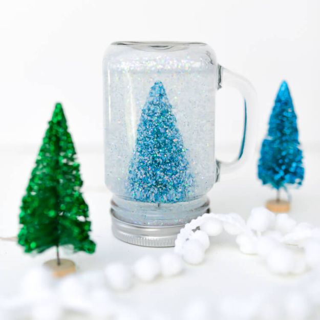 DIY Snow Globe Ideas - Glittery Mason Jar Snow Globe - Easy Ideas To Make Snow Globes With Kids - Mason Jar, Picture, Ornament, Waterless Christmas Crafts - Cheap DYI Holiday Gift Ideas