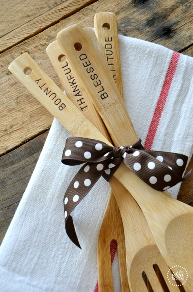 Fun DIY Ideas for Adults - Hand Stamped Wooden Utensils - Easy Crafts and Gift Ideas , Cool Projects That Are Fun to Make - Crafts Idea for Men and Women