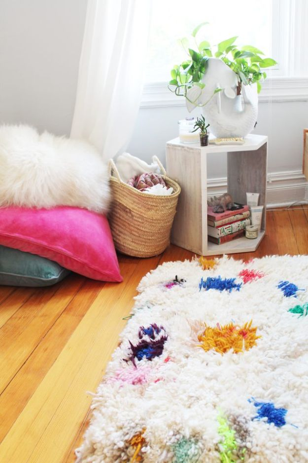 DIY Room Decor Ideas for Teens, Kids and Adults- Handmade Yarn Shag Rugs - DIY Rug Projects and Ideas for Handmade Rugs -Easy Room Decor Projects for The Home - Cheap Farmhouse Crafts, Wall Art Idea, Bed and Bedding, Furniture