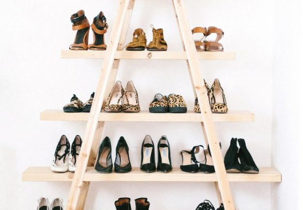 DIY Shoe Racks - Ladder Shoe Shelf - Easy DYI Shoe Rack Tutorial - Cheap Closet Organization Ideas for Shoes - Wood Racks, Cubbies and Shelves to Make for Shoes