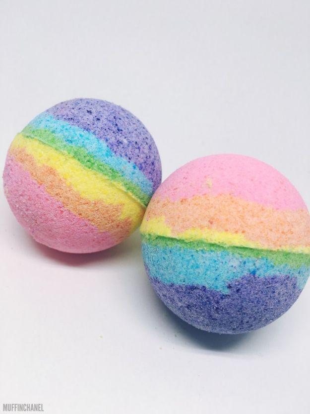DIY Bath Bombs - Lush Inspired Bath Bombs - Easy DIY Bath Bomb Recipe Ideas - How to Make Bath Bombs at Home - Best Lush Copycats, Lavender, Glitter Homemade Bath Fizzies #bathbombs #diyideas